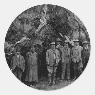 Presidente Roosevelt y John Muir California 1903 Pegatina Redonda