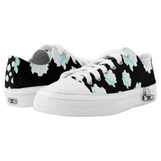 Pretty Blue Roses Design Low-Top Sneakers