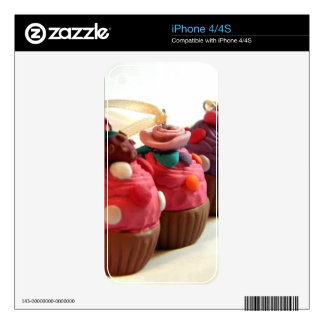 Pretty Cakes iPhone 4 Skins