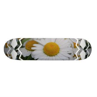 Pretty Daisies Skateboard