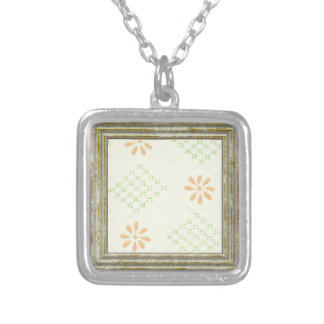 Pretty Daisy Flowers Silver Plated Necklace