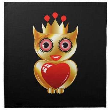 Halloween Themed Pretty golden owl with a red heart napkin