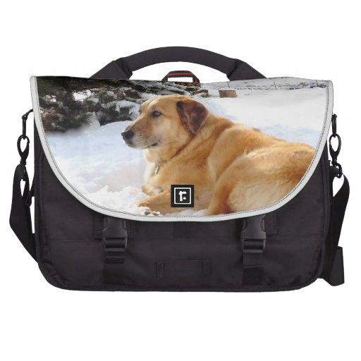 Pretty Golden Retriever Dog Ranch Snowscape Bags For Laptop