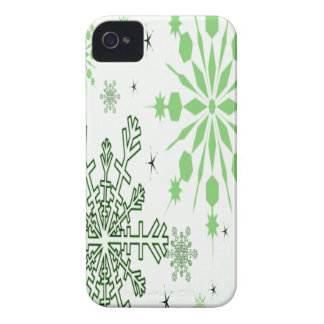 Pretty Green Snowflakes iPhone 4 Case