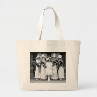 Pretty in White 1912 Bag