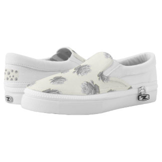 Pretty Pale Grey Roses Design Printed Shoes