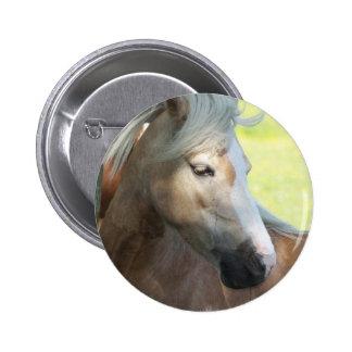 Pretty Palomino Button