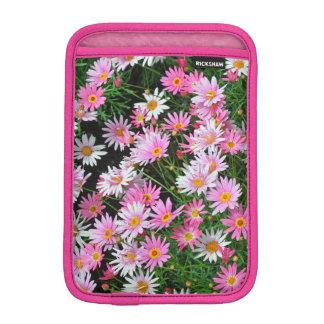 Pretty pink daisies mini ipad sleeve