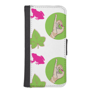 Pretty Pink Frog iPhone 5 Wallet Cases