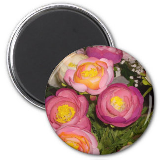 Pretty plastic flowers of unknown type & breed magnet