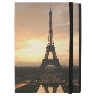 Pretty Romantic Sunset Eiffel Tower Paris France iPad Pro Case