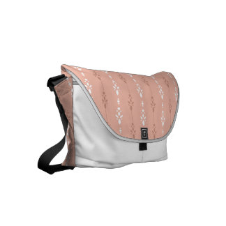 Pretty salmon pink crystal showers pattern small messenger bag