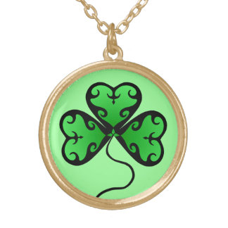 Pretty victorian shamrock gold plated necklace