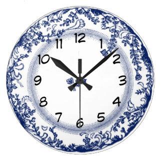 pretty vintage blue delft plate clock