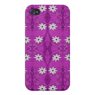 pretty white flower pern on purple iPhone 4/4S cover