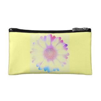 Pretty yellow daisy flower cosmetic bag