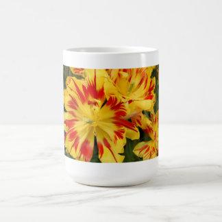 Pretty yellow & red tulip beverage mug