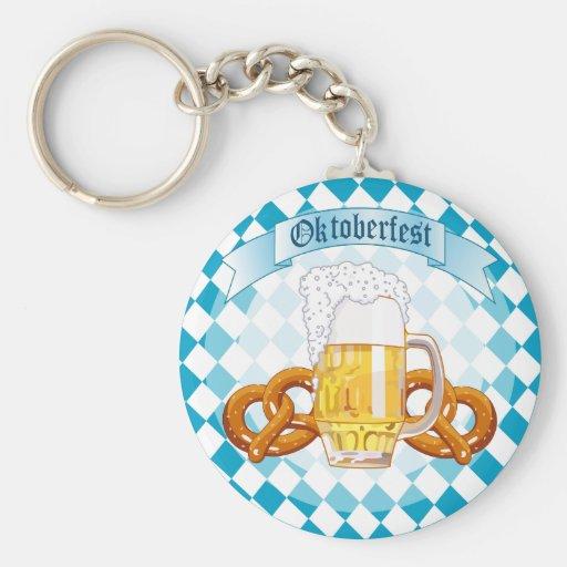 Pretzeles y cerveza de Oktoberfest Llavero Redondo Tipo Pin