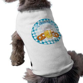 Pretzeles y cerveza de Oktoberfest Camisetas De Perrito