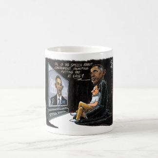 Prez Obama pone los E E U U en la facilidad sobre Taza De Café
