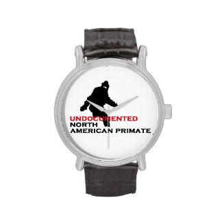 Primate norteamericano indocumentado reloj