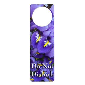 Primavera azul miniatura de los iris floral colgante para puerta