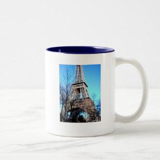 Primavera de la taza de café en imagen de la torre