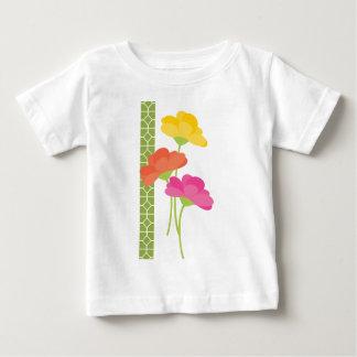 Primavera en la floración t-shirt