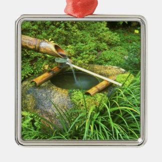 Primavera para la ceremonia de té, Sanzen-en el Adorno Cuadrado Plateado