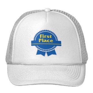 Primer azul del lugar y cinta del oro gorras de camionero