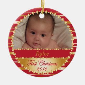 Primer bebé o familia del navidad adorno redondo de cerámica