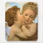 Primer beso por Bouguereau, ángeles del Victorian Tapetes De Raton