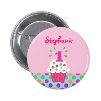 Primer botón del cumpleaños de la magdalena pin redondo de 2 pulgadas