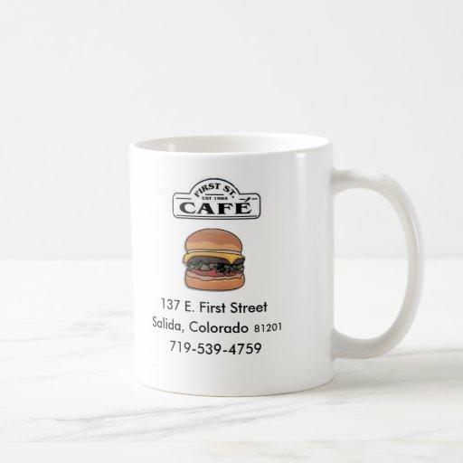 Primer café de la calle taza básica blanca
