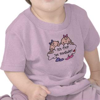 Primer cumpleaños de los chicas gemelos camisetas