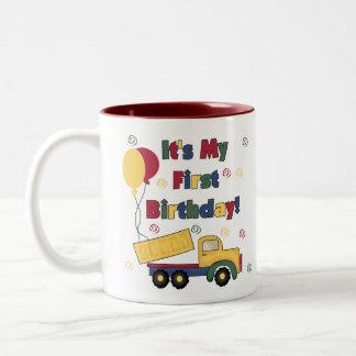 Primer cumpleaños del camión volquete tazas