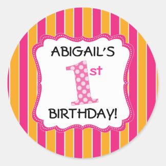 Primer cumpleaños lindo de los chicas pegatina redonda