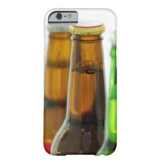 primer de botellas coloreadas de cerveza funda para iPhone 6 barely there