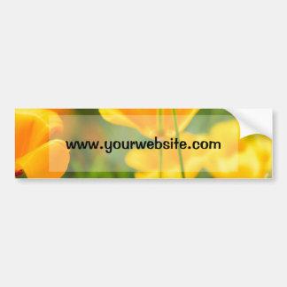Primer de flores anaranjadas, fotografía de la pegatina para auto