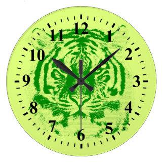 Primer de la cara del tigre reloj redondo grande