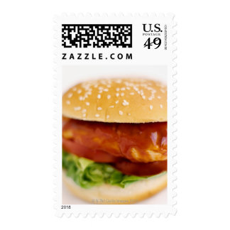 Primer de la hamburguesa del pollo sello