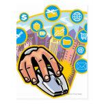 Primer de la mano en ratón del ordenador tarjetas postales
