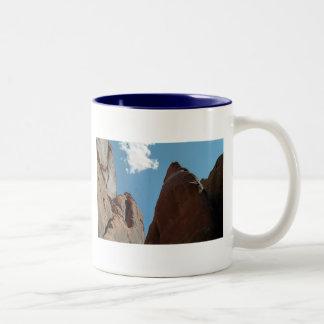 Primer de las aletas de la piedra arenisca taza de café