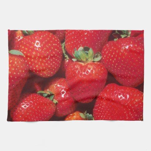 Primer de las fresas toalla de mano