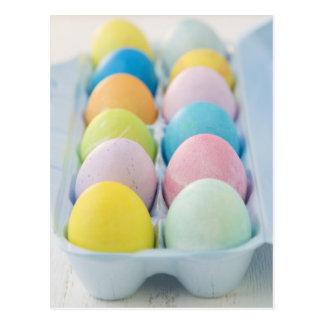 Primer de los huevos de Pascua coloreados Postal