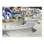 Primer de mosaicos en el edificio de Gaudi, Parc Tarjetas Postales