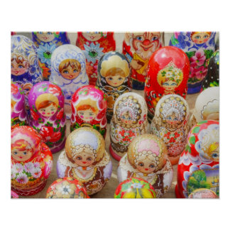 Primer de muñecas jerarquizadas rusas tradicionale póster