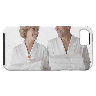 Primer de un hombre mayor con una mujer madura iPhone 5 fundas