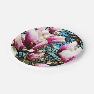 Primer del árbol de la magnolia platos de papel