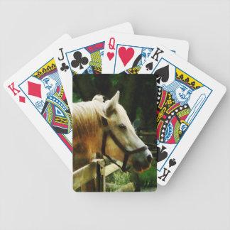 Primer del caballo blanco baraja de cartas bicycle